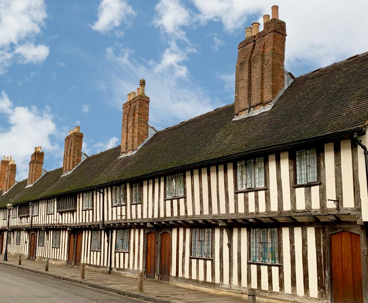 Municipal Charities Stratford Upon Avon - Guild Cottages